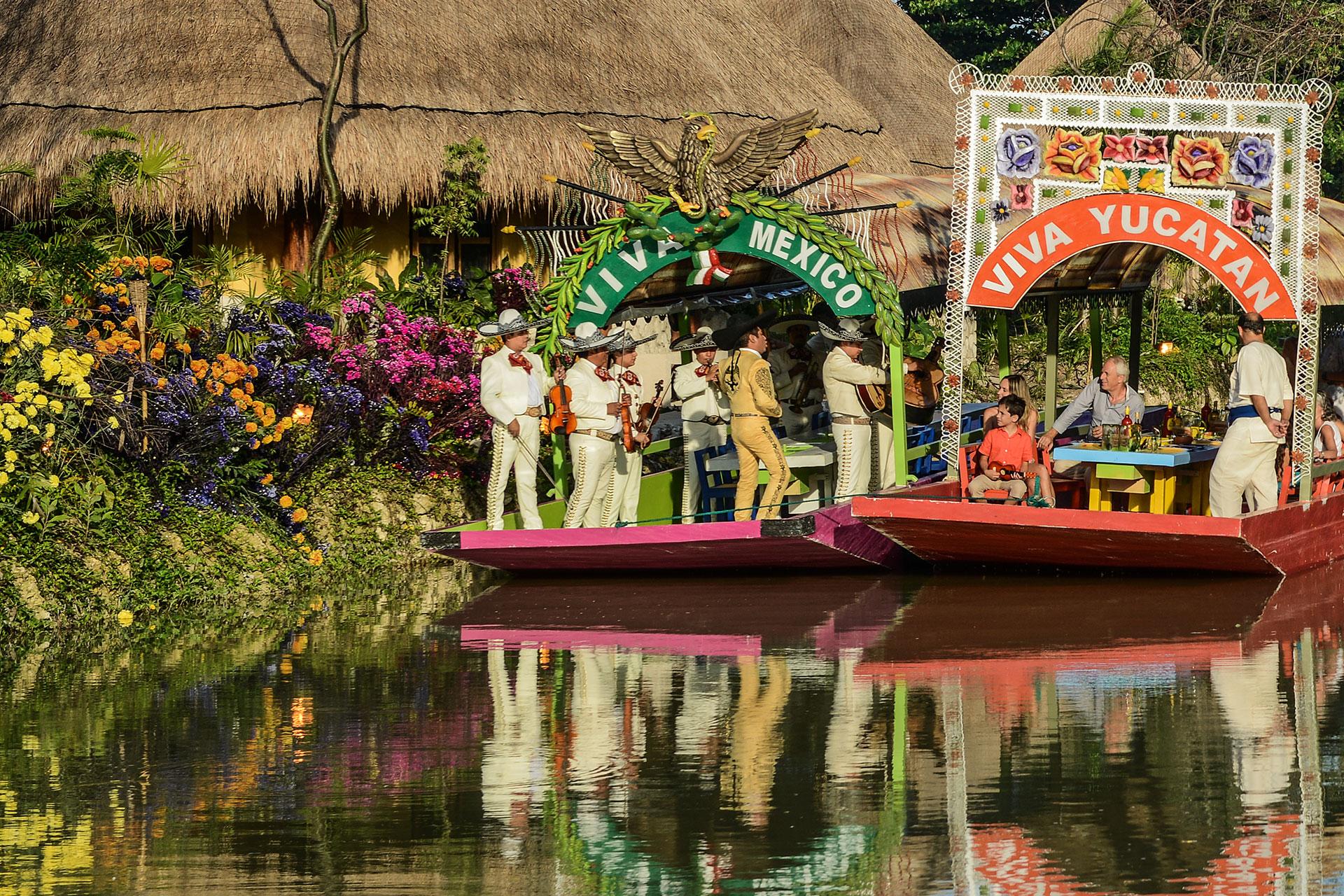 Xoximilco park, Riviera Maya
